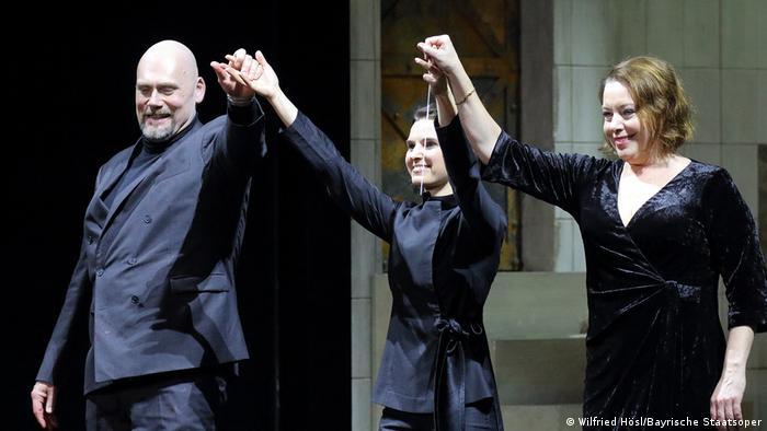 Oksana Lyniv mit John Lundgreen und Nina Stemme