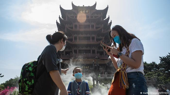 China Wuhan | Hubei verringert die Corona-Alarmstufe
