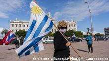 Uruguay 1. Mai Demonstration in Montevideo (picture-alliance/AP Photo/M. Campodonico)