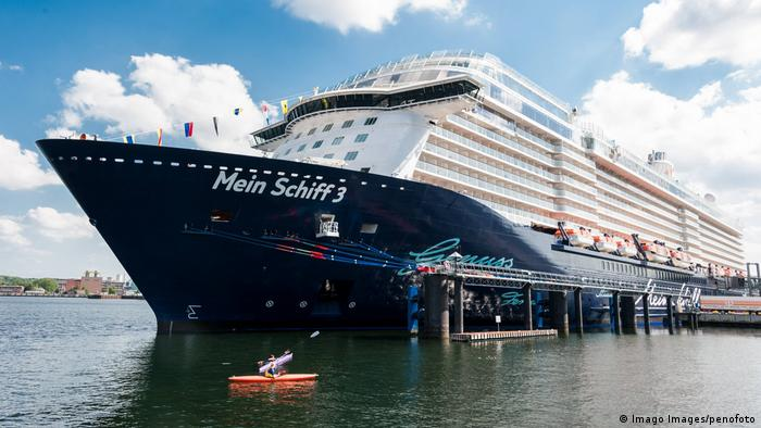 Kiel Mein Schiff 3 Kreuzfahrtschiff der TUI Cruises (Imago Images/penofoto)
