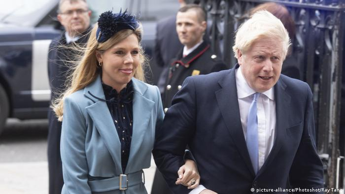 Boris Johnson and Carrie Symonds (picture-alliance/Photoshot/Ray Tang)