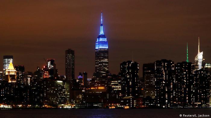 New York Illumination Empire State Building Coronavirus Helfer Ehrung (Reuters/L. Jackson)