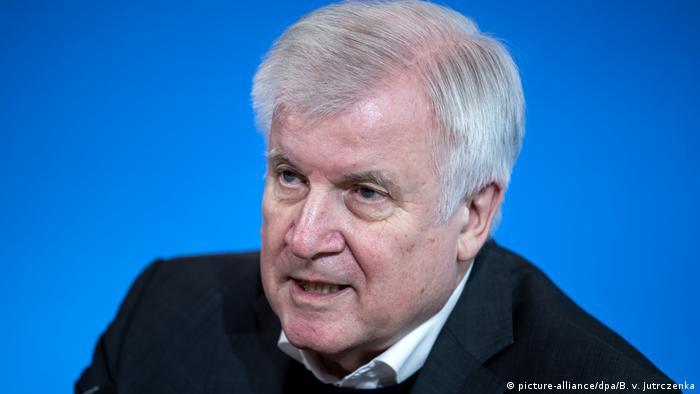 وزير الداخلية الألماني هورست زيهوفر