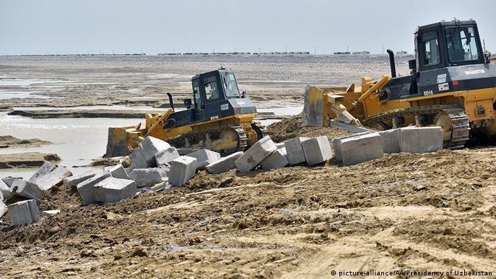 با شکسته شدن سد سردابه در ازبکستان باید ۷۰ هزار نفر به مکانهای امن منتقل میشدند