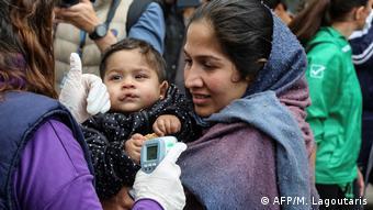 ۳ مه ۲۰۲۰: انتقال صدها پناهجو از اردوگاه موریا در جزیره لسبوس یونان به خاک این کشور