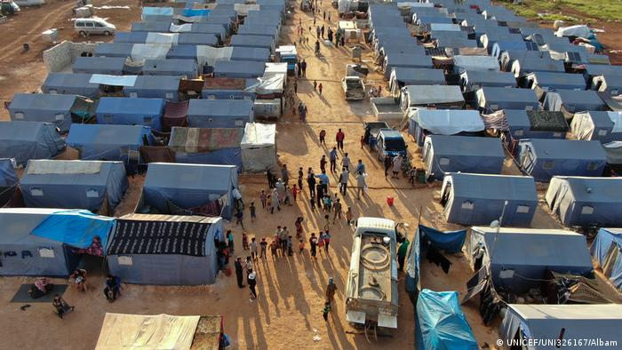 An aerial view of Akrabat camp shows several rows of make shift housing (UNICEF/UNI326167/Omar Albam)