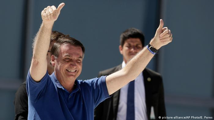 Brasilien Kundgebung Bolsonaro (picture-alliance/AP Photo/E. Peres)