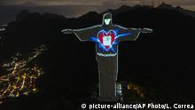 Brasilien Christus-Statue in Rio mit Mundschutz