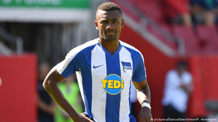 Salomon Kalou im Porträt (Foto: picture-alliance/SvenSimon/F. Hoermann)