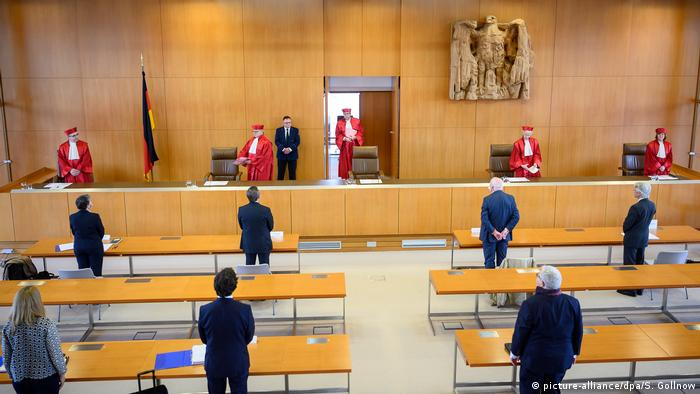 Germany's top court challenges an ECJ ruling (picture-alliance/dpa/S. Gollnow)