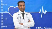 Dr. Addisu Melese who treats Covid 19 patients at Bahir Dar referral hospital with his family and colleagues 05.05.2020 Bahri Dar, Ethiopia, Äthiopien.