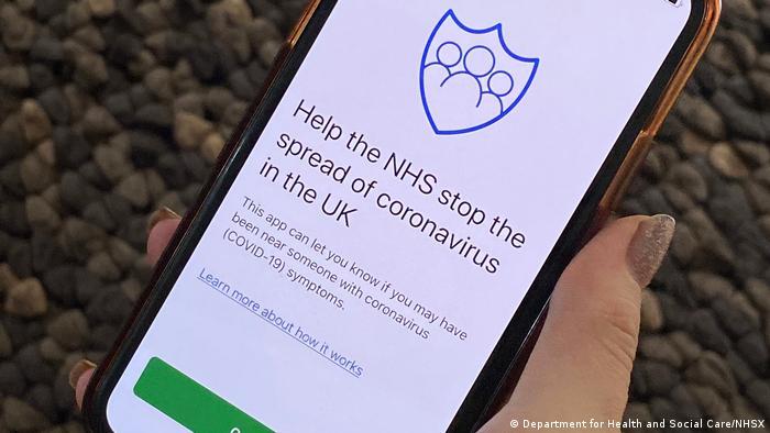 Brytyjska służba zdrowia rozpoczyna testy aplikacji na śledzenie koronawirusa