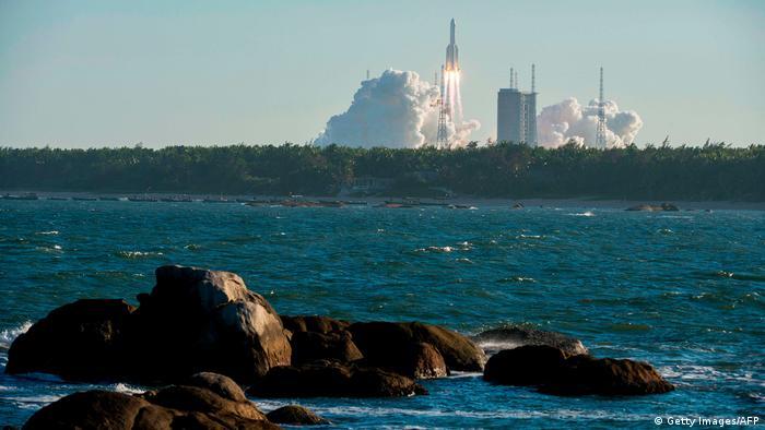 China Wenchang Space Launch Center   Raketenstart Long March 5B