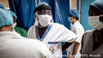 Des aides soignants à l'hôpital de Pikine au Sénégal