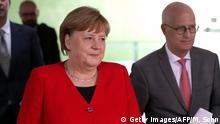 Deutschland Berlin Pressekonferenz Coronavirus | Angela Merkel und Peter Tschentscher