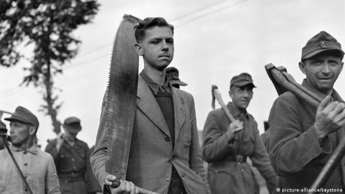 German POWs in France, 1945