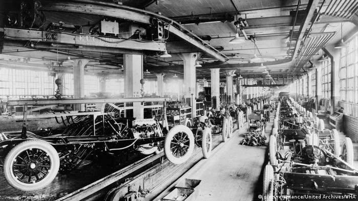 Dodge Brothers' chassis assembly line in Hamtramck, Michigan