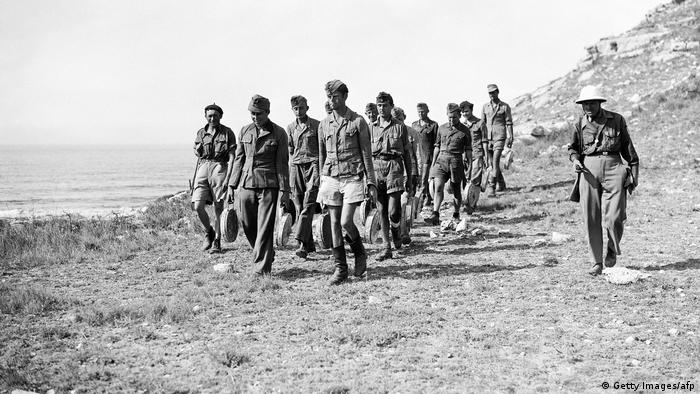 German POWs look for Wehrmacht land mines in France