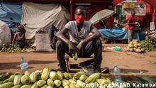 Uganda Kampala | Coronavirus | Straßenverkäufer