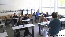 7.5.2020, Berlin, Deutschland, Mit Abstand wird im Klassenzimmer unterrichtet // Redakteurin: Tessa Walther