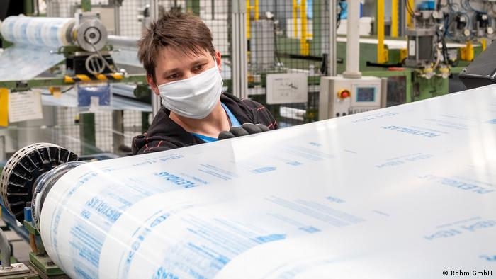 Worker at the Röhm company