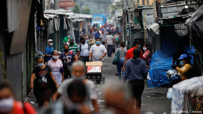La pandemia golpea a El Salvador.
