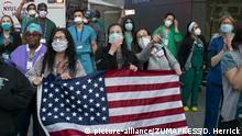 USA Corona-Pandemie   Langone Health Hospital in New York Applaus