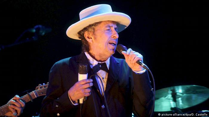 Der Sänger Bob Dylan bei einem Konzert 2012