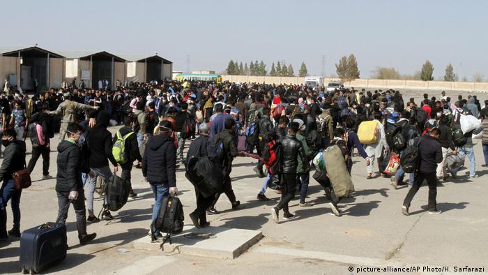 Afghanische Flüchtlinge auf dem Weg nach hause aus dem Iran