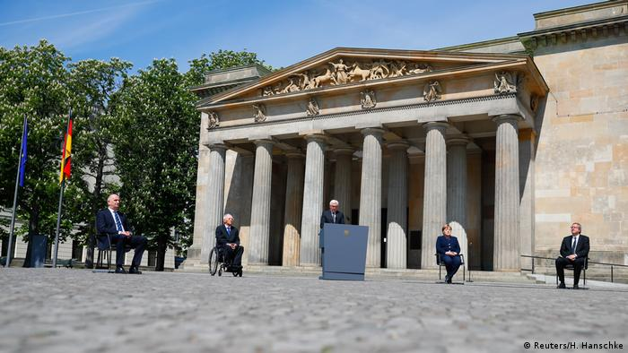 WWII remembrance Germany (Reuters/H. Hanschke)
