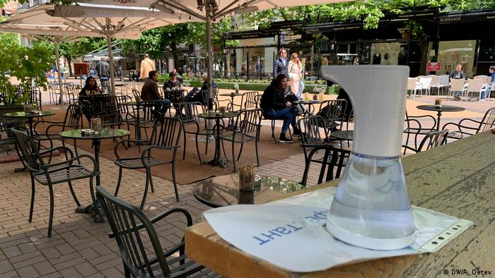 В България храненето в ресторант на открито отново е позволено