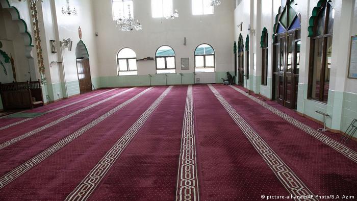 لن تقام صلاة العيد هذا العام في المساجد في ظل إجراءات محاربة تفشي وباء كورونا
