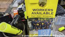 USA Pasadena | Workers Available Flyer am Pasadena Community Job Center