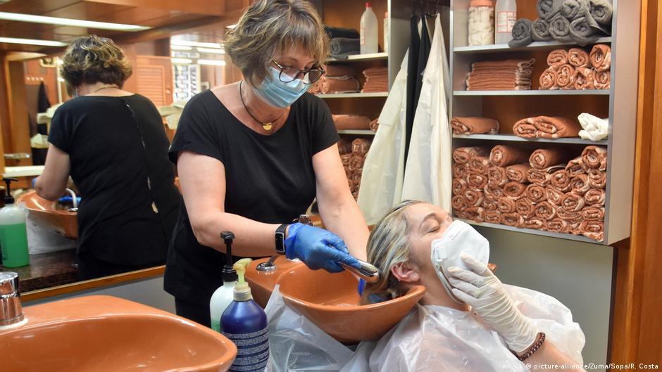 Spanien Vendrell Friseursalon ist geöffnet
