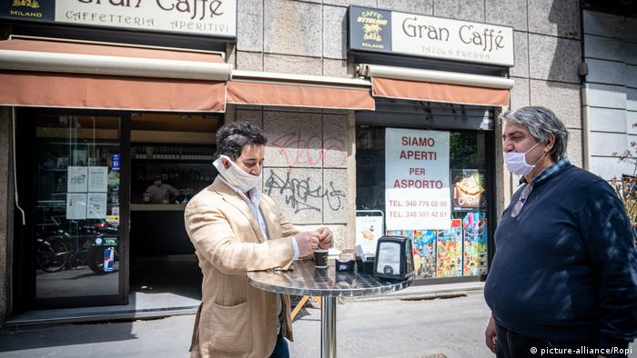 Italien Mailand Bar Gran Caffè ist geöffnet