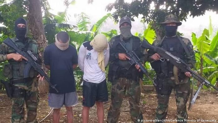 Venezuela | Festnahme | Puerto Cruz | Mercenaries (picture-alliance/AA/Defence Ministry of Venezuela)