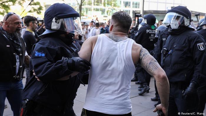 Deutschland Berlin | Coronavirus | Protest (Reuters/C. Mang)