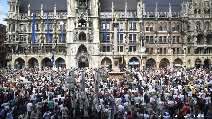Thousands gather in Munich to protest lockdown measures