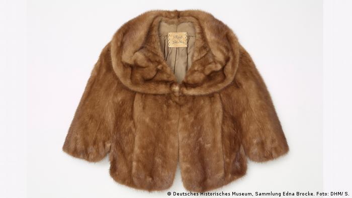 Hannah Arendt's fur cape (Deutsches Historisches Museum, Sammlung Edna Brocke. Foto: DHM/ S.)