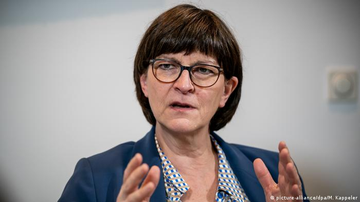 SPD-Chefin Saskia Esken (Foto: picture-alliance/dpa/M. Kappeler)