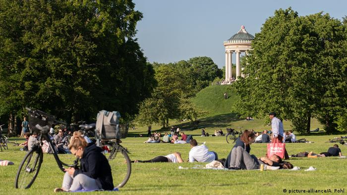 Englischer Garten (English Garden), Munich (picture-alliance/A. Pohl)