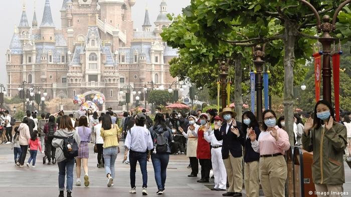 Shanghai Disneyland resumed operations the same day for the first time since late January (Imago Images)