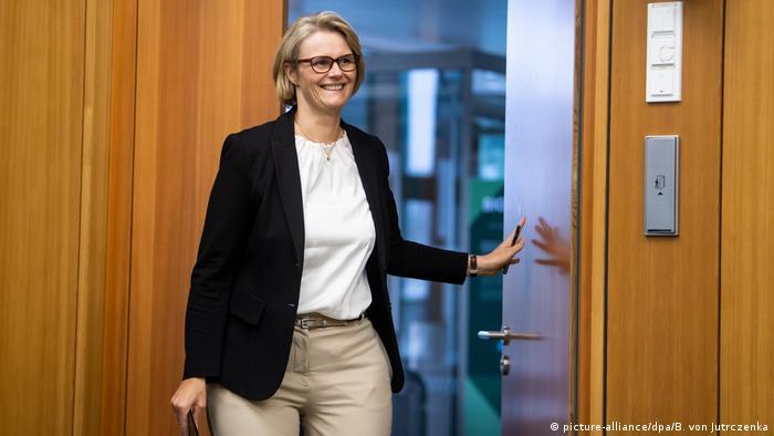 Coronavirus - Forschungsministerin zu Impfstoffentwicklung (picture-alliance/dpa/B. von Jutrczenka)