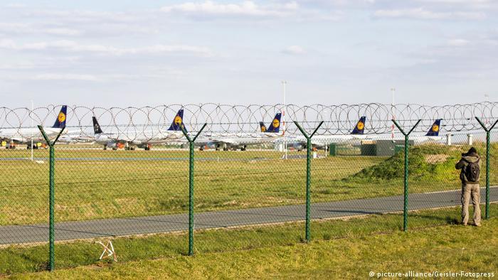 Starker Rückgang der Flüge vom Flughafen Berlin-Schönefeld wegen der Corona-Krise