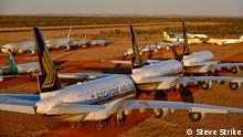 Some $5billion worth of Aircraft from around the world now being holed up in the desert near Alice Springs due to COVID-19 travel downturn Geparkte Flugzeuge von Singapore Airlines in Alice Springs/Australien
