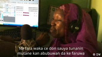 Videostill | HdM: Kaduna Musikerin (F)