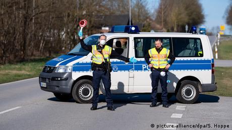 """Γερμανία: Προς το παρόν """"όχι"""" σε συνοριακούς ελέγχους για τη μετάλλαξη Δέλτα"""