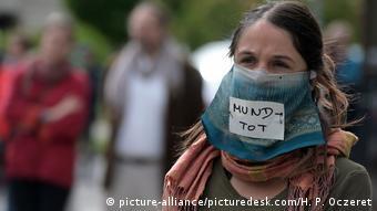 Österreich Demonstration der ICI – Initiative (picture-alliance/picturedesk.com/H. P. Oczeret)