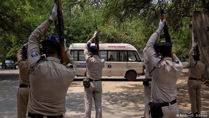 Indien | Opfer im Kampf gegen Corona | Neu Dehli (Reuters/D. Siddiqui)
