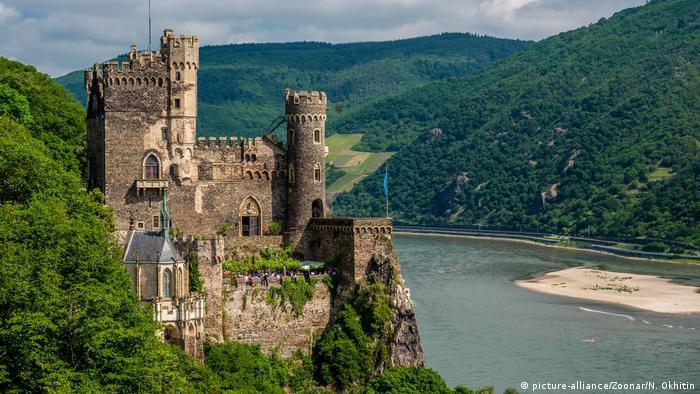 El valle del Rin combina naturaleza, cultura, historia y diversión. En 320 kilómetros, el recorrido acompaña la vista del legendario río alemán desde Bonn a Wiesbaden.